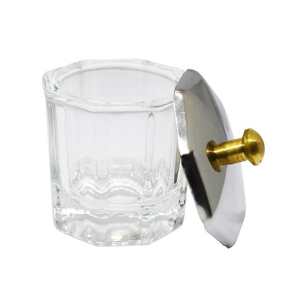 Staklena čašica s poklopcem